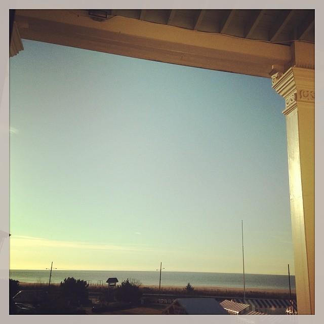 Amanecer frente al mar, visto desde Congress Hall. Cape May, New Jersey