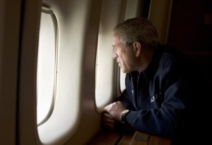 bush en el avion
